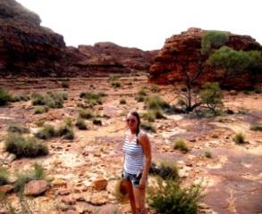 Autralia hiking through the outback