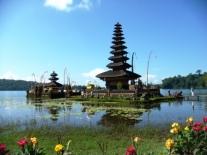 Bali Ulun Danu temple