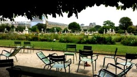 Paris Les Jardins hang out
