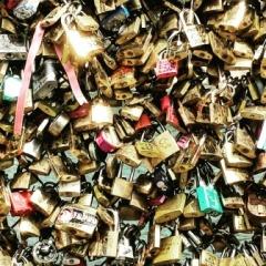 Paris love locked
