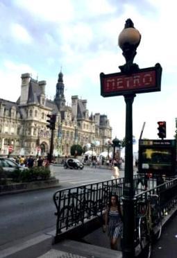 Parisian street view