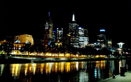 Melbourne boulevards at night