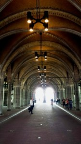 Amsterdam Rijksmuseum tunnel