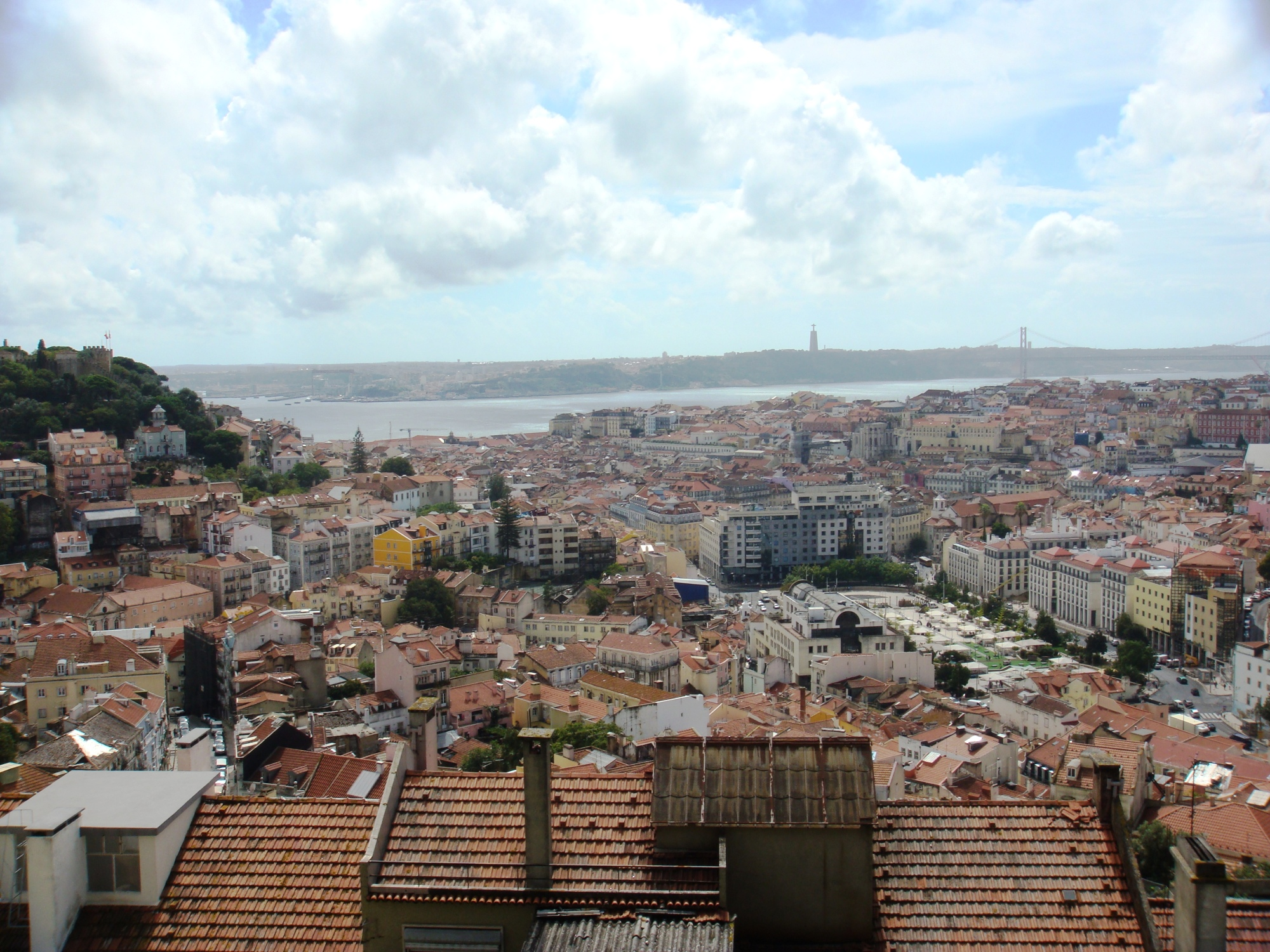 Lisbon views from Miradouro Da Graca (1)