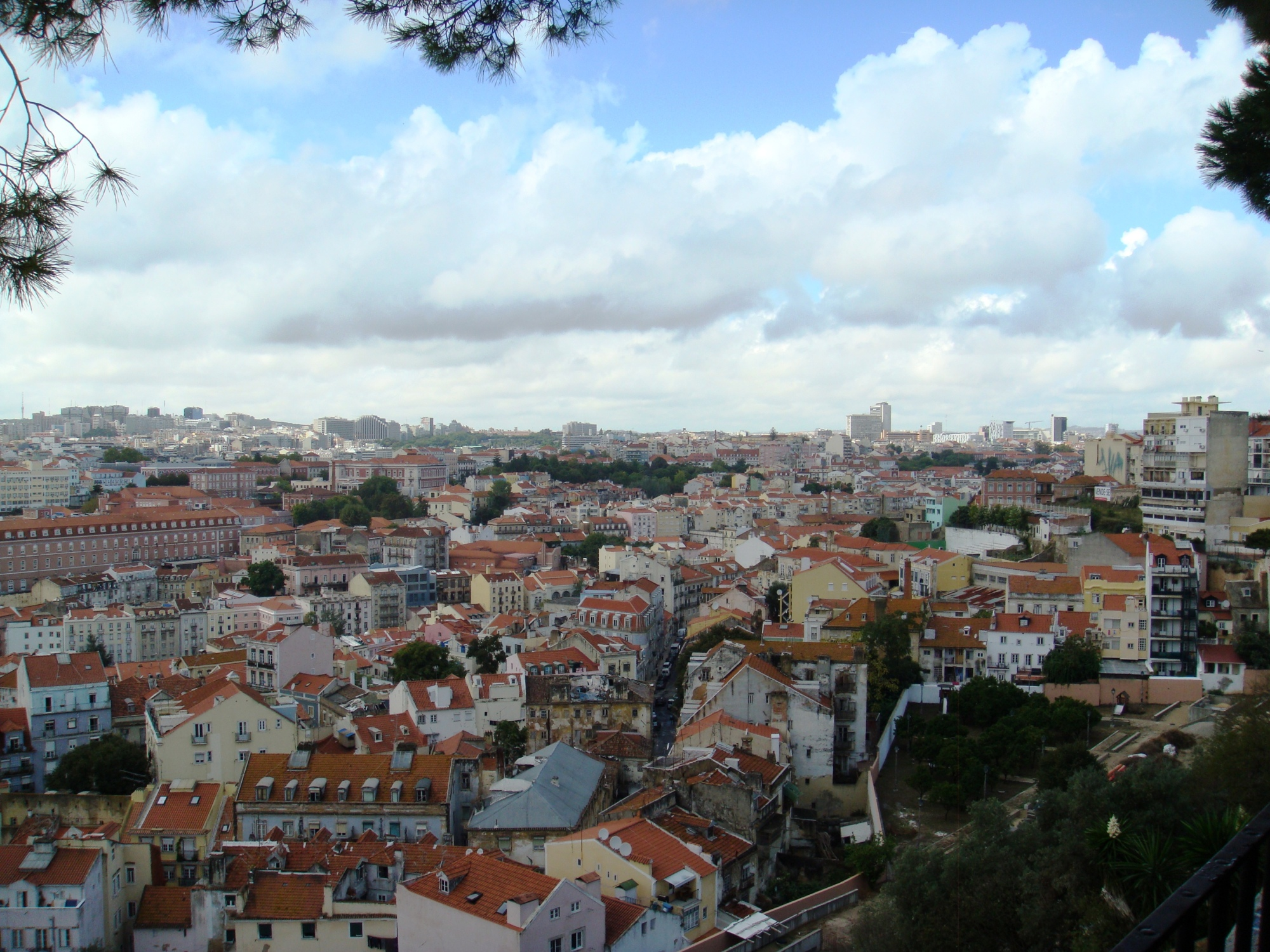 Lisbon views from Miradouro Da Graca (2)