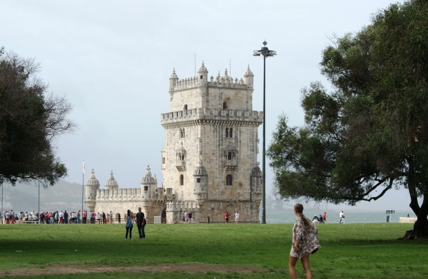 Walking towards the historical Torre de Belém