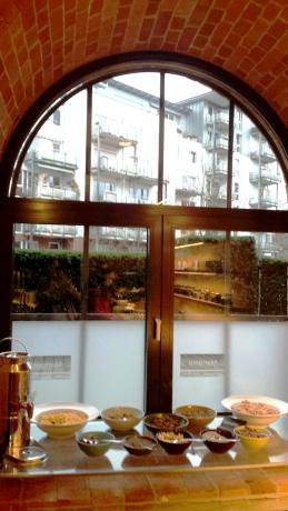 Gastwerk Hotel Hamburg breakfast (1)