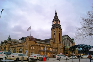Central train station Hamburg (1)