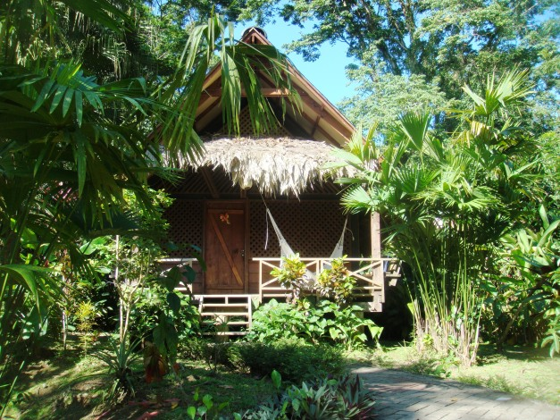 Costa Rica Azánia private nature bungalows