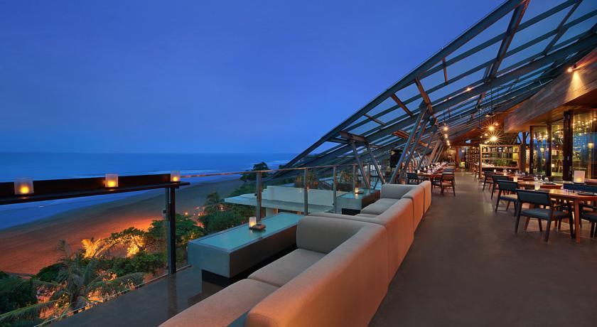 Seminyak Anantara Resort Moonlite rooftop bar