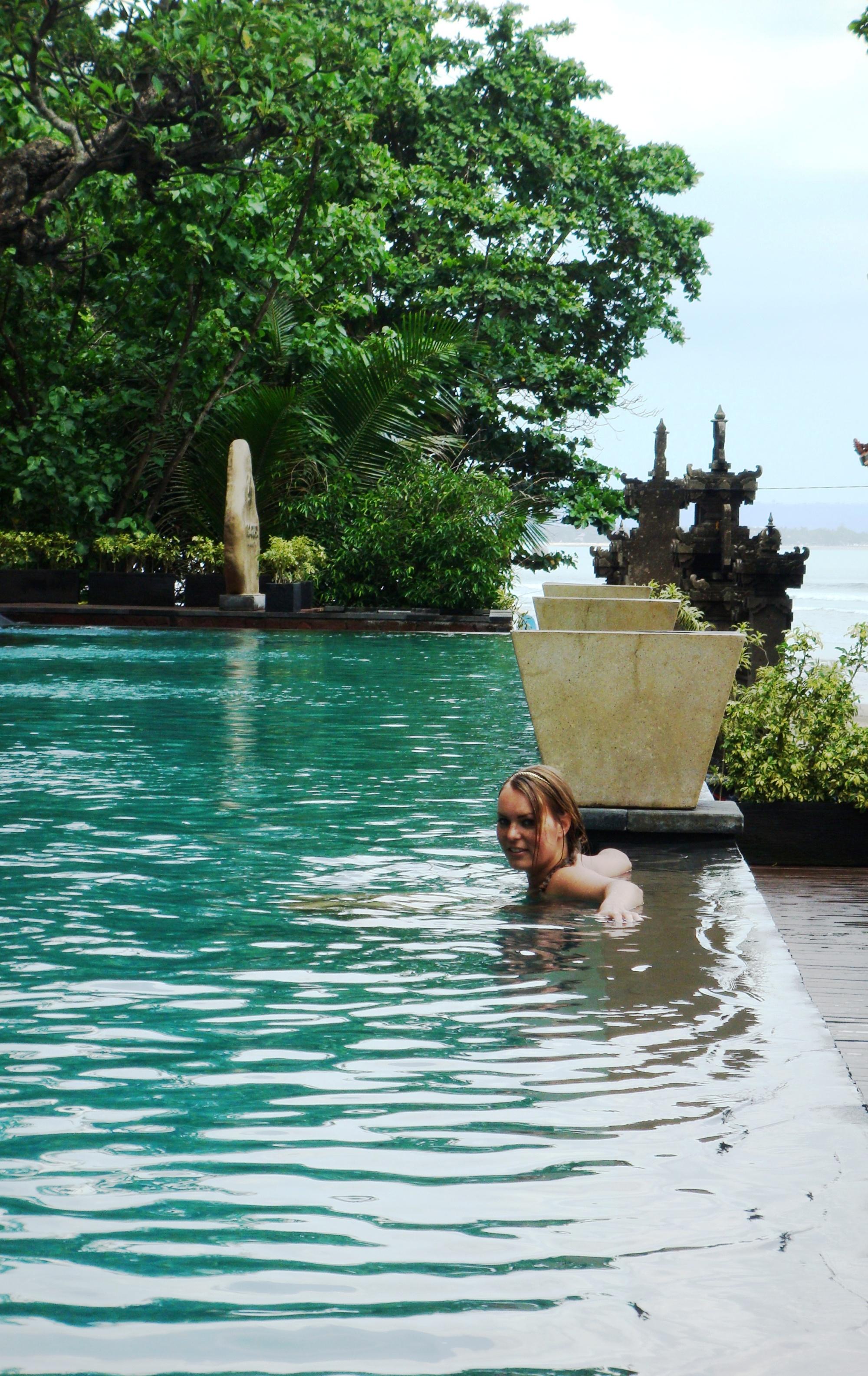 Bali Anantara Seminyak infinity pool