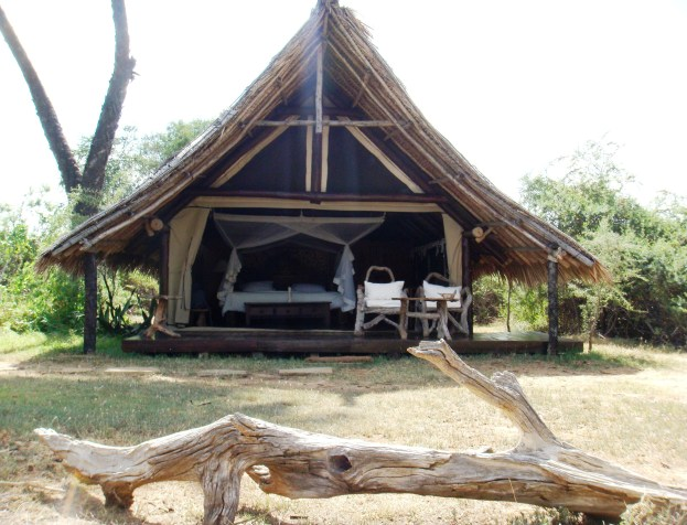 Kenya Galdessa camp lodge