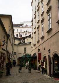 Authentic Vienna alleys