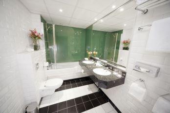 Bilderberg Jan Luyken Hotel Amsterdam bathroom