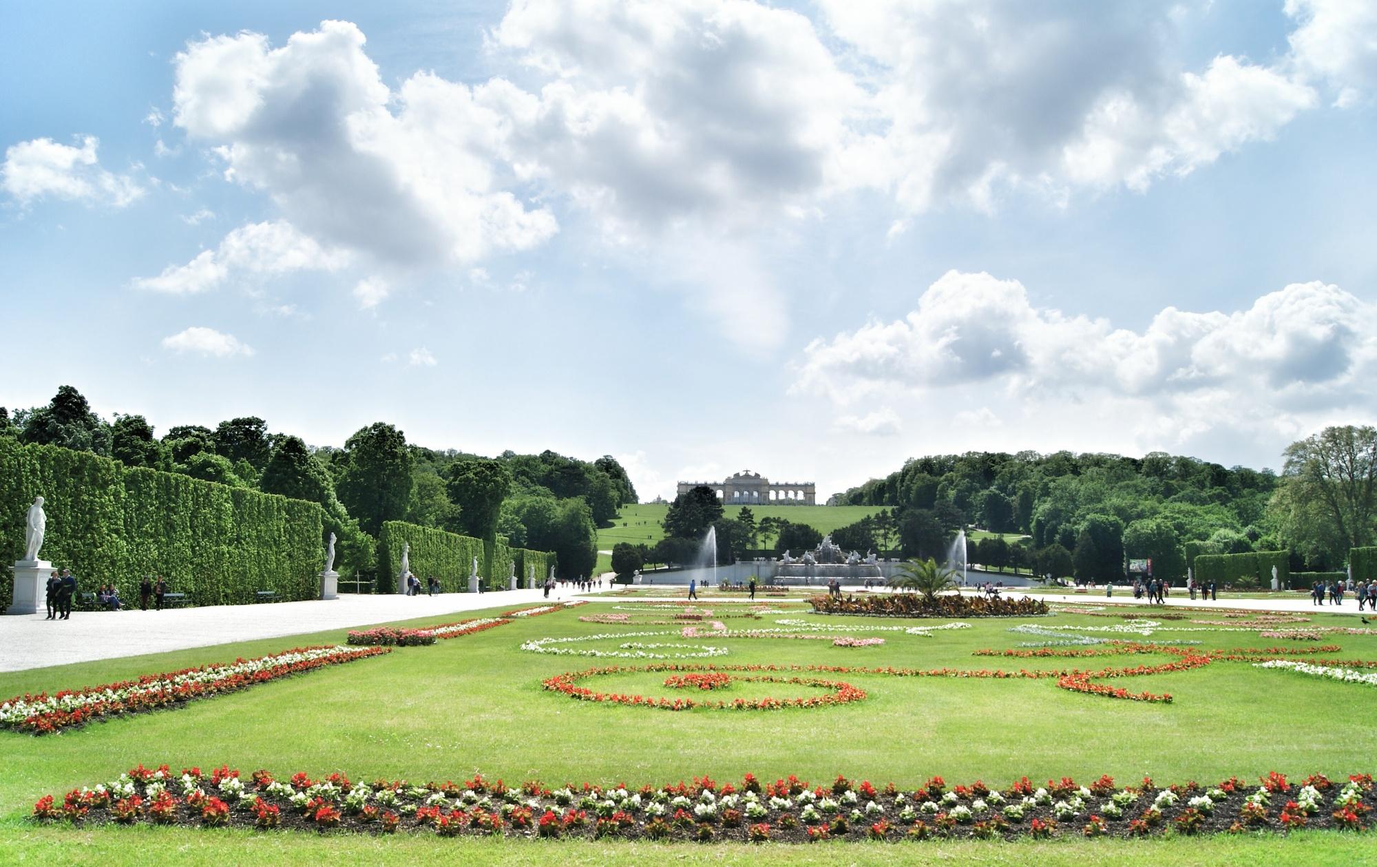 Gardens of Schloss Schonbrunn Vienna backside palace