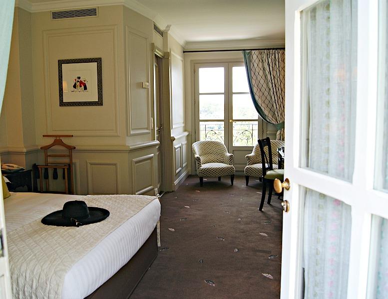 Le Mas hotel room France (5)