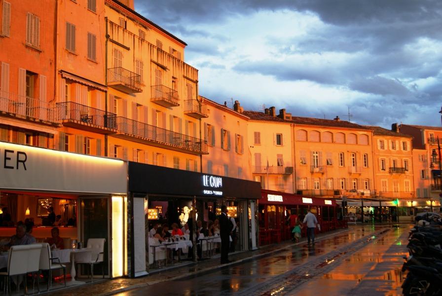 St Tropez France harbor restaurants
