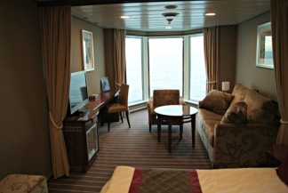 fjordline-cruise-suite-cabin-norway