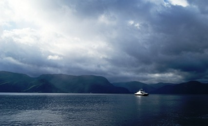 nature-views-of-lysenfjord-cruise-norway-4