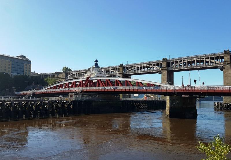 bridges-of-newcastle-gateshead-uk-3