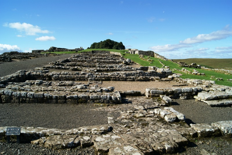 housesteads-roman-fort-northumberland-uk-2