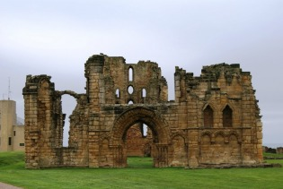 tynemouth-priory-ruins-1
