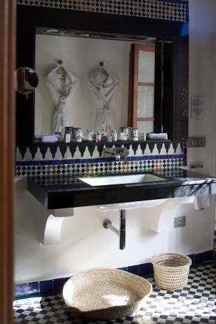 palais-amani-fes-bathroom