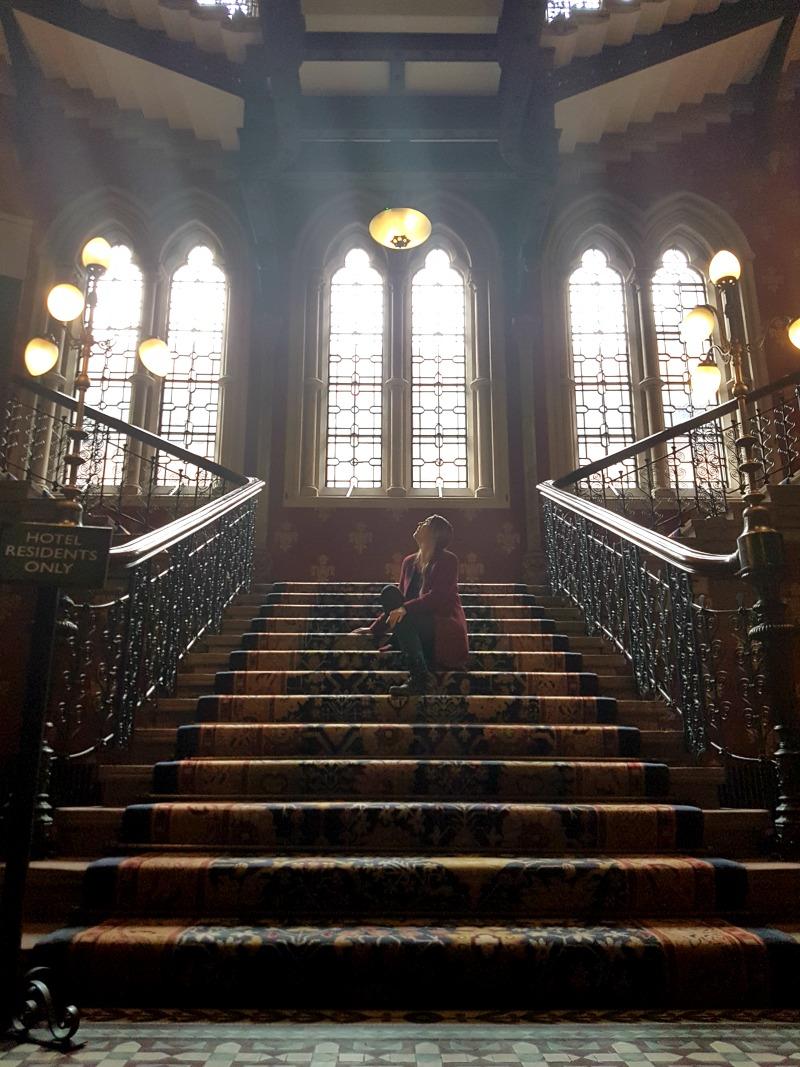 st-pancras-ren-hotel-london-iconic-grand-staircase-3