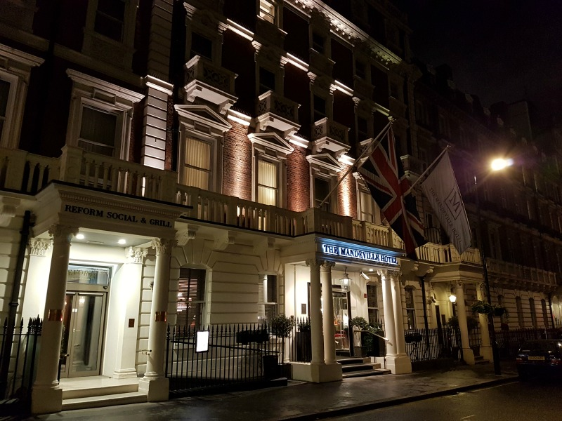 the-mandeville-hotel-london-facade-at-night