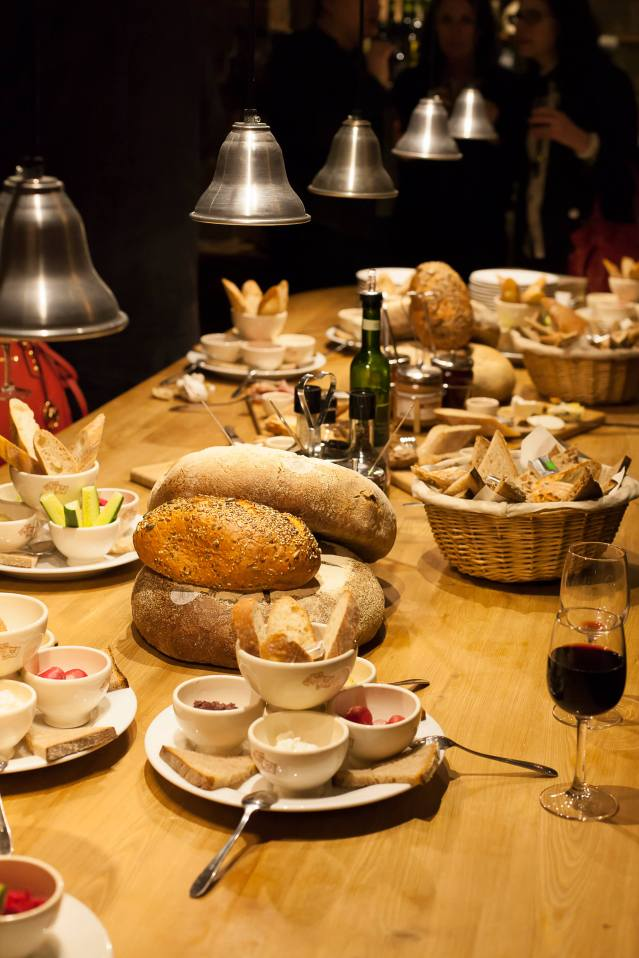dinner-or-lunch-at-le-pain-quotidien-paris-2