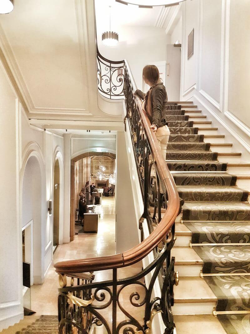 hilton-paris-opera-hotel-stairs
