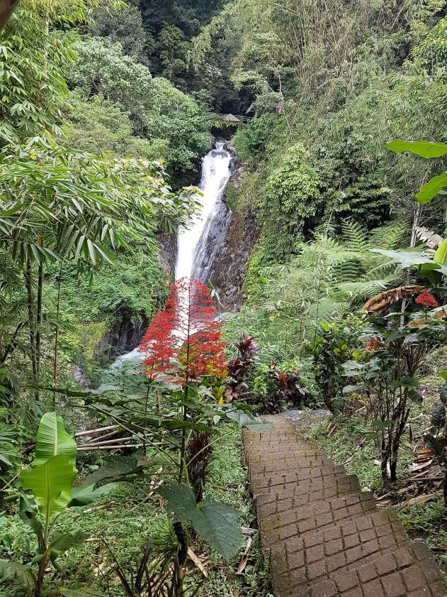git-git-waterfalls-munduk-bali