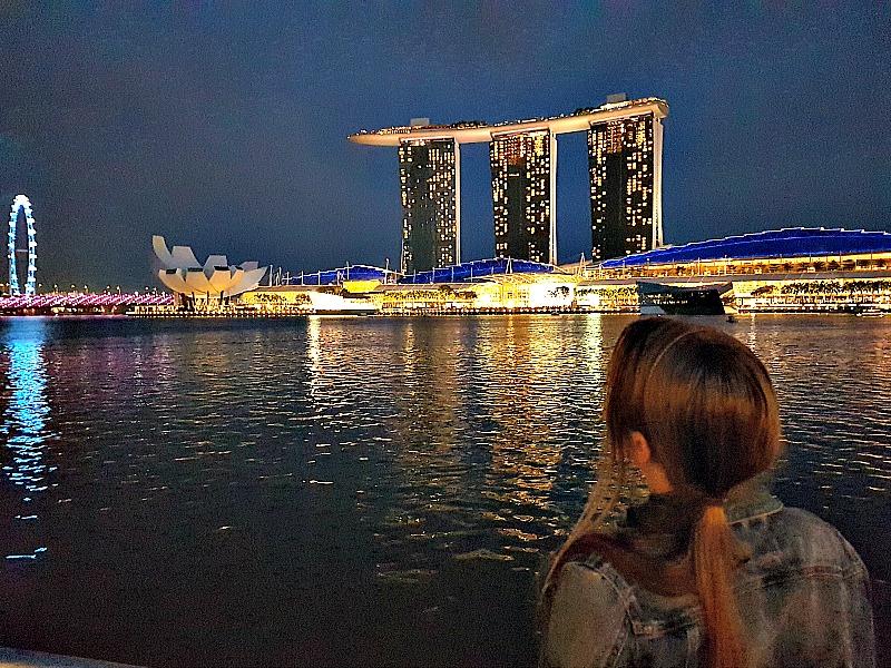 Singapore-marina-bay-views-at-night