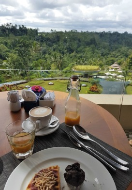 padma-resort-ubud-breakfast-views