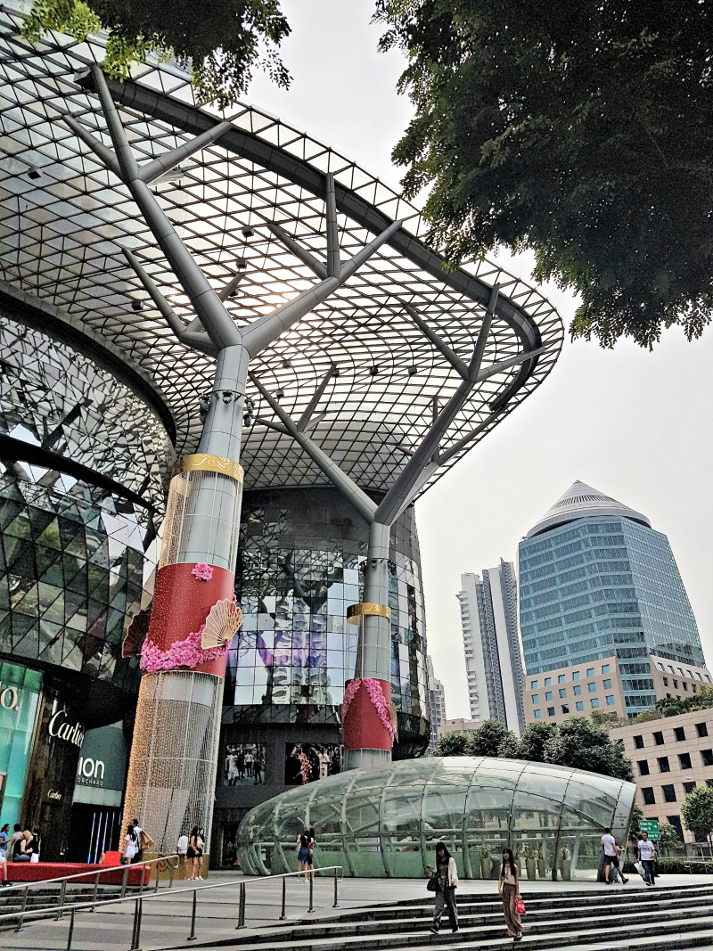 singapore-ion-orchard-mall-1