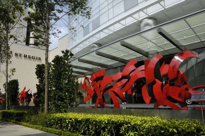 st-regis-singapore-anthony-poon-entrance-art
