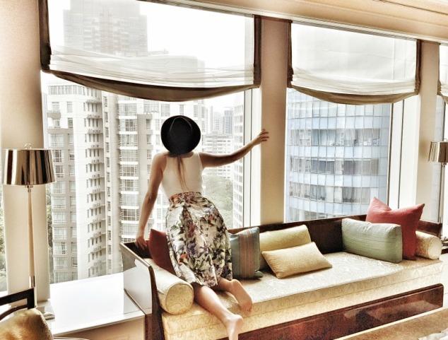 st-regis-singapore-executive-deluxe-room-2