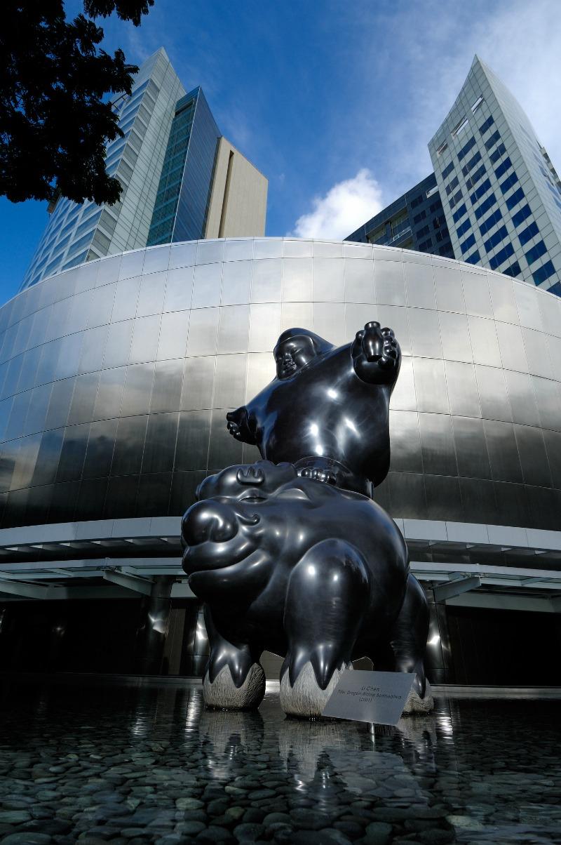 st-regis-singapore-hotel-entrance