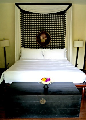 The-gangsa-villa-bedroom-sanur-by-kayumanis