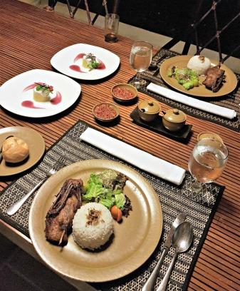 the-gangsa-villa-sanur-by-kayumanis-in-villa-dinner